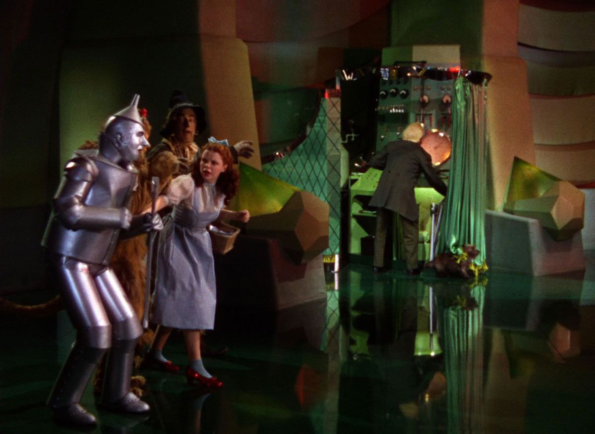 Wizard of OZ Behind the Curtain